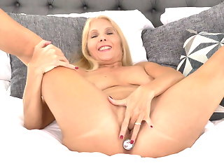 amateur mature sex toy